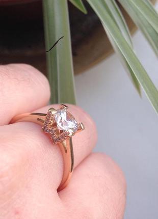 Кольцо из медзолота с фианитом 18 размер