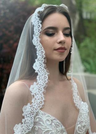 Кружевная свадебная фата