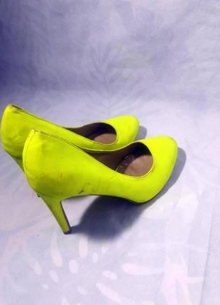 Распродажа! лимонно - кислотные, мятные туфли лодочки на прочном каблуке