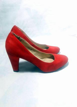Распродажа! замшевые рубиновые лодочки, роскошные фирменные туфли