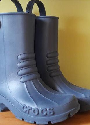 Фирменные резиновые сапоги crocs