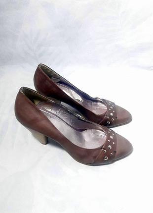 Распродажа! брендовые, внешне натуральные, кожаные туфли лодочки