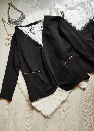 Черный кардиган накидка стрейч нарядная с кожаной оборкой молниями замками на карманах