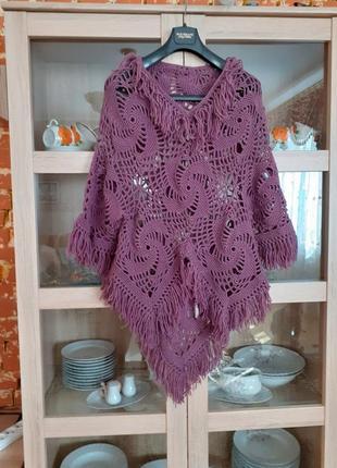 Очаровательное вязаное пончо ручной работы универсального размера