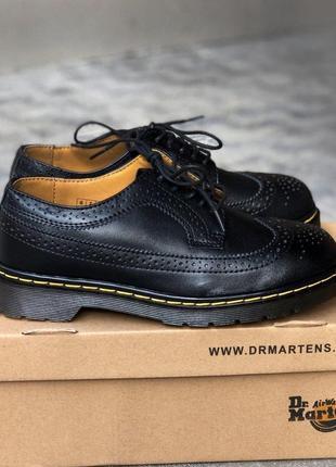 Стильные кожаные туфли dr.martens