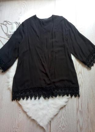 Черная накидка с ажурной вязкой снизу на рукавах гипюром пляжная парео нарядная