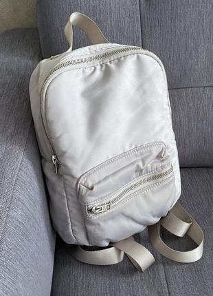 Серый маленький рюкзак hollister