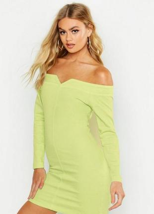 Boohoo. товар из англии. джинсовое платье с открытыми плечами в ярком неоне лайма.