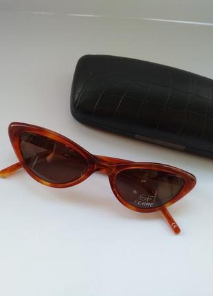 Очки от солнца ретро оригинал g.ferre ff747 03 фирменные солнцезащитные кошечки
