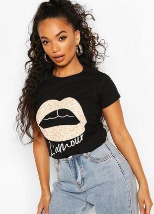 Boohoo, стильная футболка с принтом. в наличии размеры m.