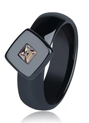 Керамическое кольцо с фианитом, керамічна каблучка з фіанітом