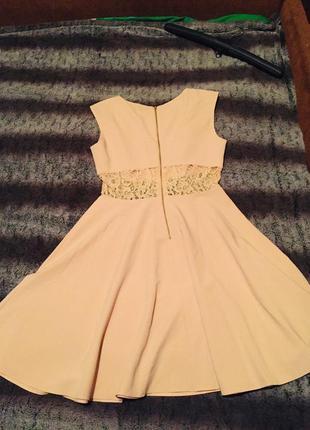 Вечернее платье с кружевной талией
