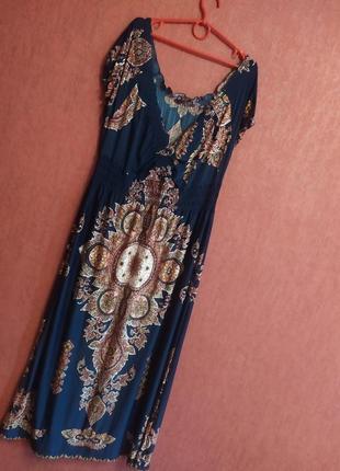 Длинное летнее платье с оригинальным рисунком