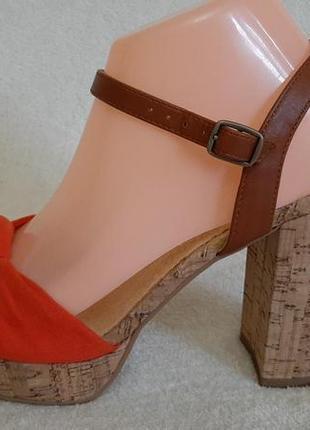 Трендовые босоножки на широком каблуке фирмы rr (германия ) р 39, стелька 25,3 см