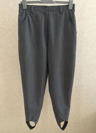Серые шерстяные брюки швейцария