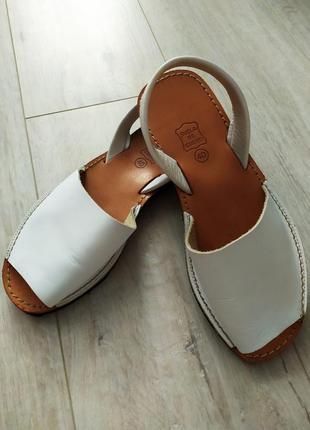 Кожаные сандалии suela de cuero