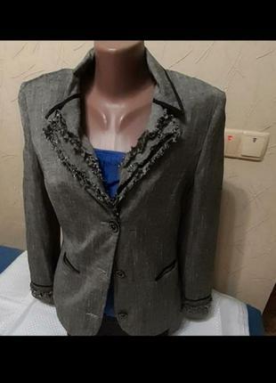 Пиджак жакет р 48 классический нарядный.