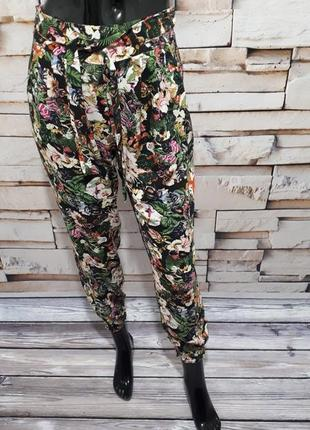 Яркие натуральные брюки штаны джоггеры в цветочный принт