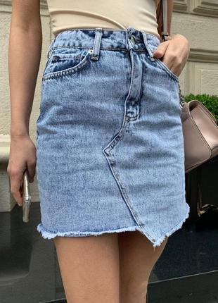 Джинсовая юбка с высокой посадкой