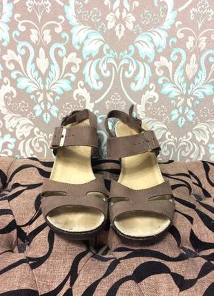 Мягкие босоножки туфли кожа2