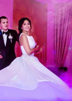Свадебные платья свадебное платье из итальянского бархотного атласа.
