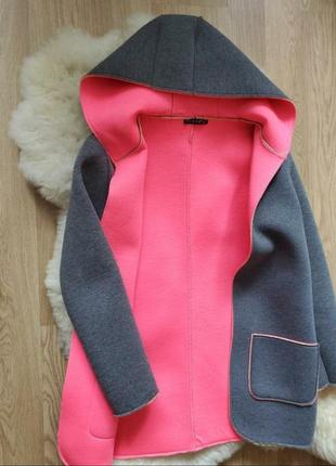 Теплая верхняя одежда в идеальном состоянии