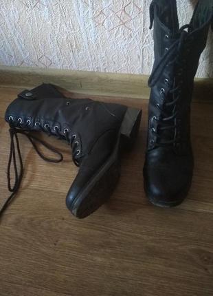 Ботинки грубые байкерские чёрные на шнуровке высокие с отворотом клетка