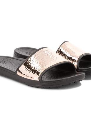 Модные шлепки crocs w8