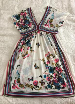Ніжне квіткове плаття