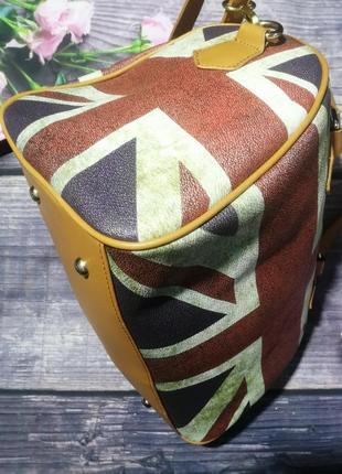 Шыкарная сумочка сумка на одно отделение.2 фото