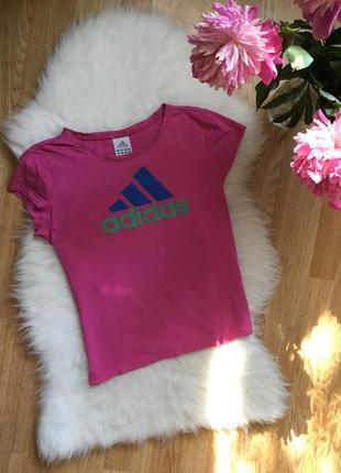 Розовая фирменная хлопковая футболка с лого адидас оригинал adidas