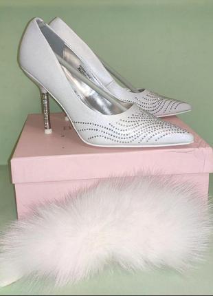 Туфли свадебные или на торжество c камнями swarovski