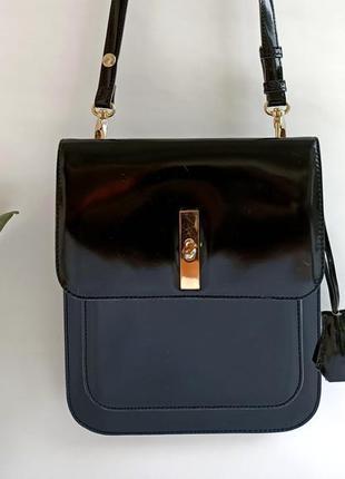 Черная сумка кроссбоди из натуральной лакированной кожи от tosca blu. оригинал !