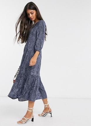 Ярусное свободное платье миди в принт из вискозы asos