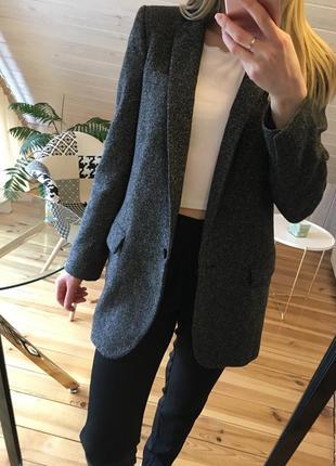 Уделённый пиджак zara