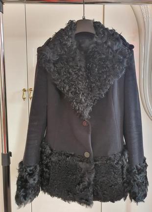 Пальто брендовое, короткое, с каракулем. sophene. s