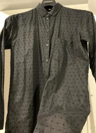 Рубашка блуза  нарядная чёрная в крапку полупрозрачная удлинённая