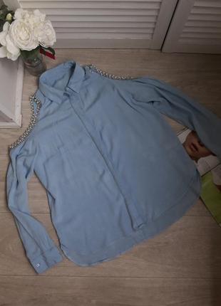 Нереально красивая рубашка с открытыми плечами в камнях размер с-м италия