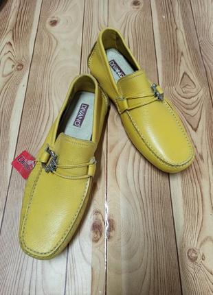 Яркие кожаные туфли 42 размер