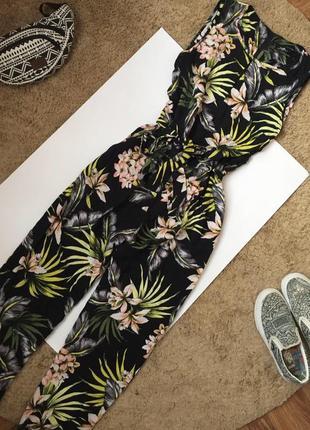 Ромпер в цветочный принт / комбинезон брюками
