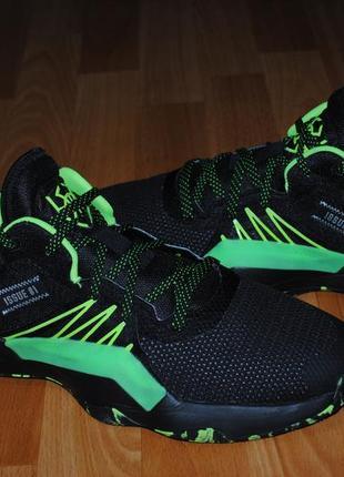 Кроссовки баскетбольные adidas marvel 46 р