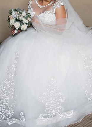 Весільна сукня 2019