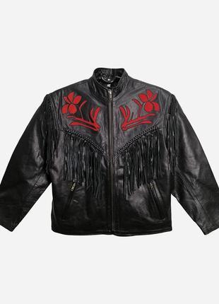 Винтажная байкерская кожаная куртка черного цвета с красной замшевой аппликацией l