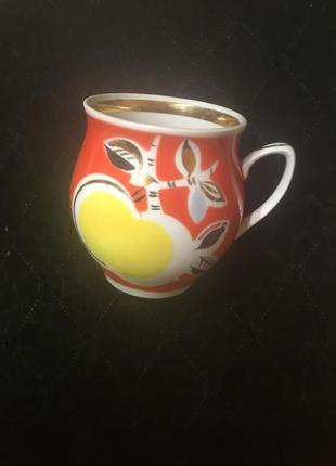 Яркий советский старый фарфоровый соусник сливочник фарфор ссср