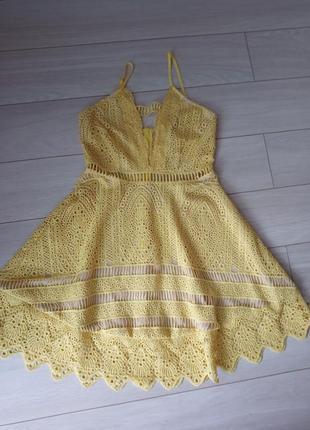 Шикарное жёлтое ажурное платье кружевной сарафан