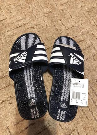 Мужские шлепанцы adidas santiossage оригинал 010689 тапки массажные