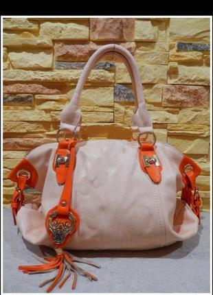 Красивая и яркая сумка