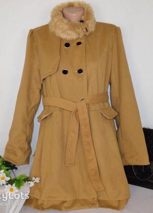 Брендовое демисезонное пальто с меховым воротником и поясом xian5 фото