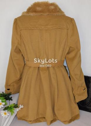 Брендовое демисезонное пальто с меховым воротником и поясом xian6 фото