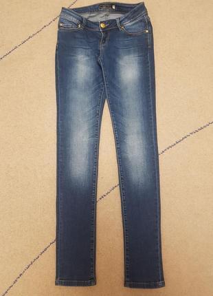Стильные джинсы madoc jeans